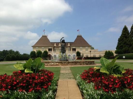 chateau-elan-winery-and
