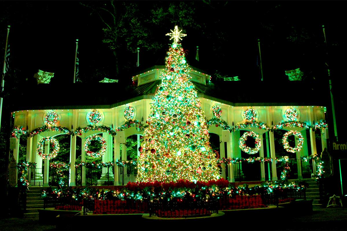 主题公园 | Six Flags圣诞季灯火夜公园