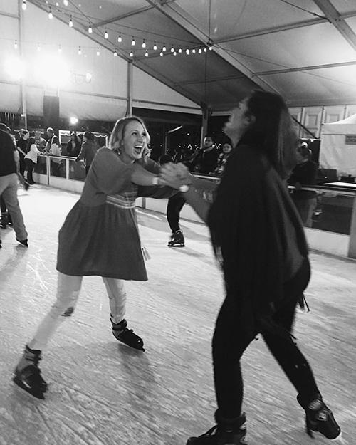 百年奥运公园滑冰开始咯~